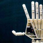بازوی هوشمندی که همیار ناشنوایان می شود