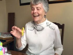 هیجان مادربزرگ85 ساله از اسپینر!|کالاسودا