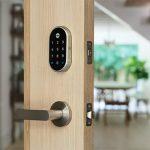 قفل هوشمند Nest x Yale به دستیار صوتی گوگل مجهز شد