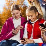 چگونه به کودکان خود آموزش دهیم که قدر تلفن های همراه خود را بدانند؟
