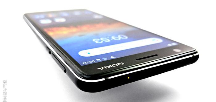 گوشی ارزان قیمت نوکیا طراحی و صفحه نمایش