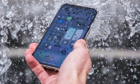 آیا گوشی های جدید iPhone زیر آب هم کار خواهند کرد؟