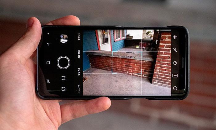 دانلود نرم افزار Moment – Pro Camera برای گوشی های موبایل