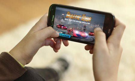 دانلود بازی Traffic Tour Racing Game برای اندروید