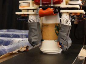 روبات بازیافت کننده