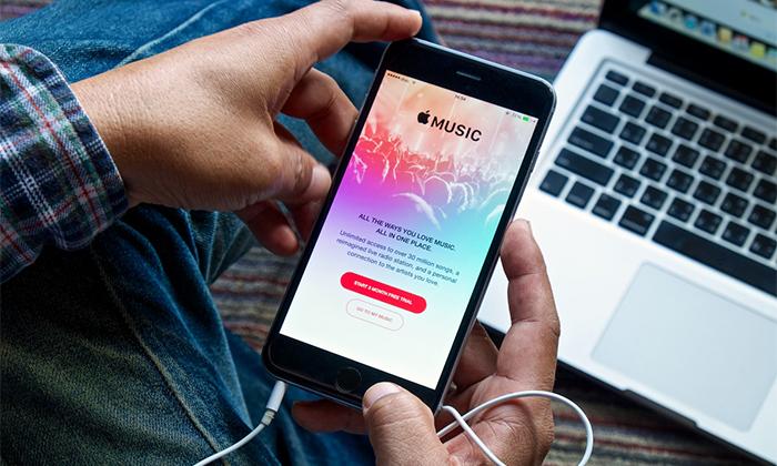 تعداد کاربران اپل موزیک از اسپاتیفای بالاتر رفت