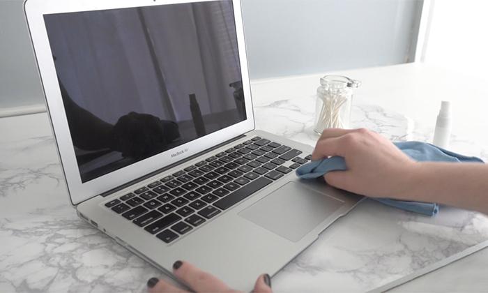 روش پاک کردن صفحه نمایش لپ تاپ