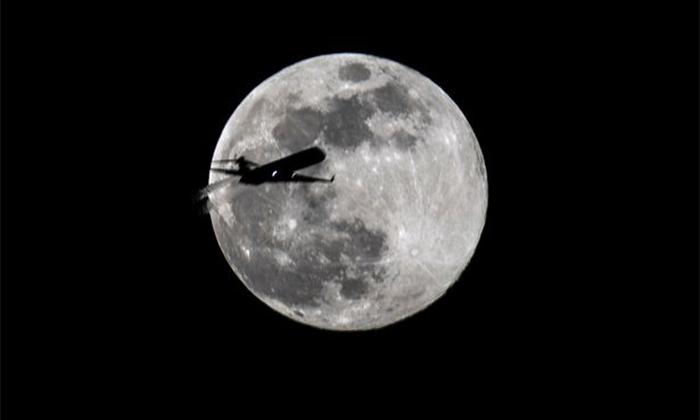 ماه صورتی چیست؟