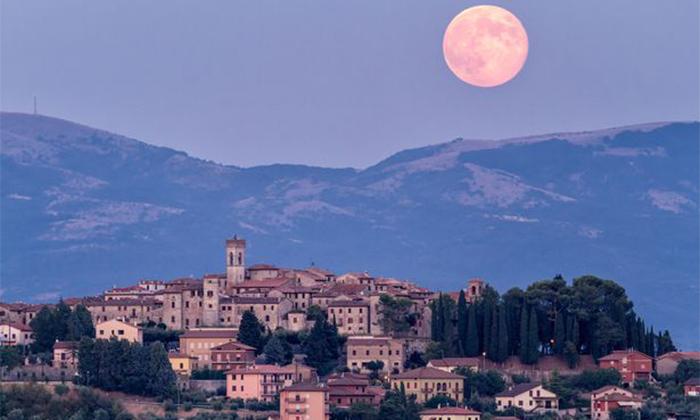هفته آینده رویداد ماه صورتی را در آسمان ببینید