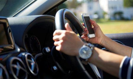 پلیس مچ رانندگانی گوشی باز را می گیرد