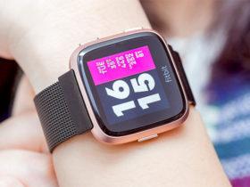 ساعت هوشمند Fitbit Versa با ظاهر جذاب و ردیاب تناسب اندام اختصاصی بانوان
