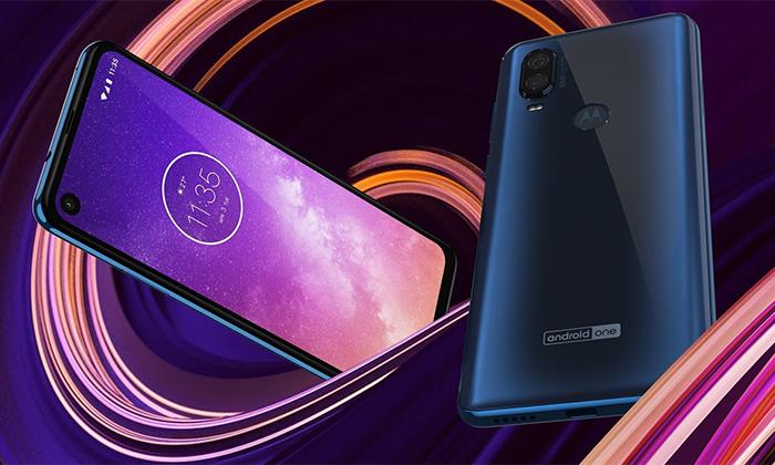 گوشی موتورولا وان ویژن امروز به عنوان مدل جدید این گوشی ها معرفی شد که ظاهری کاملا متفاوت نسبت به ترکیب فعلی دارد و منحصر به فرد است.