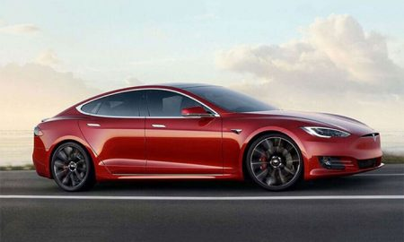 خودروی پارک شده تسلا Model S در هنگ کنگ آتش گرفت