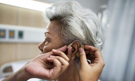 شنوایی ضعیف ، احتمال آلزایمر و زوال عقل را بالا می برد