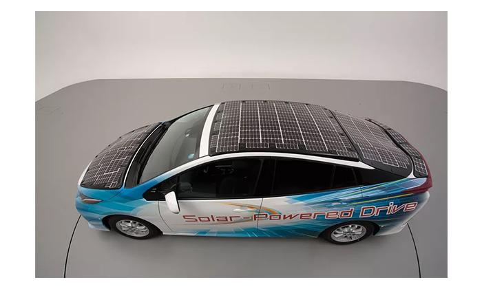 تست ازمایشی خودرو با سقف خورشیدی تویوتا