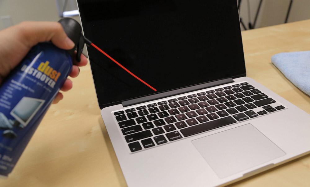نحوه تمیز کردن فن لپ تاپ با استفاده از هوای فشرده