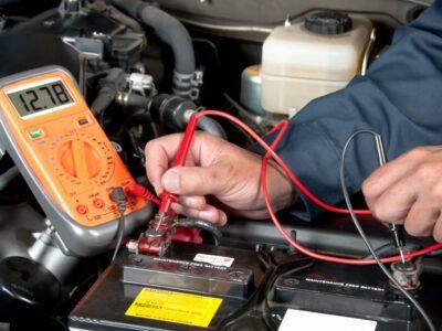 عمر باتری خودرو چقدر است؟ (چگونه آن را افزایش دهیم)