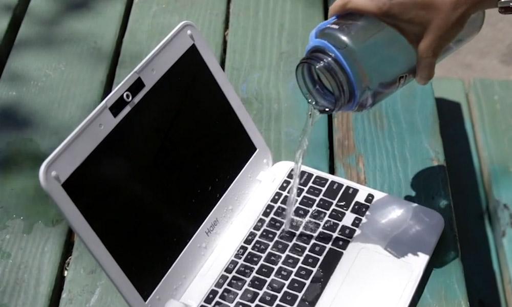 اگر آب بر روی لپتاپ یا تبلت شما ریخت چه کنید؟