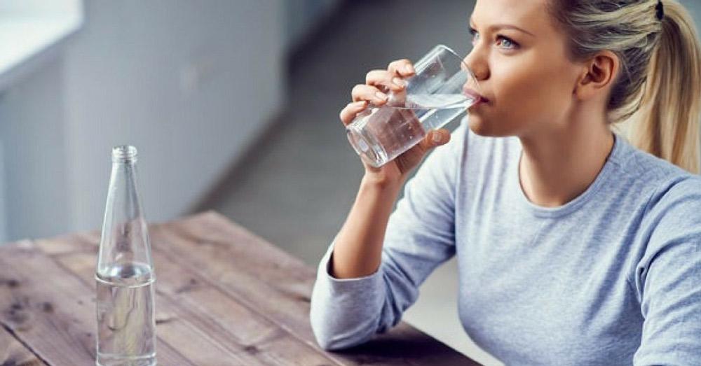 آب سالم بخورید و آب زیادی بنوشید
