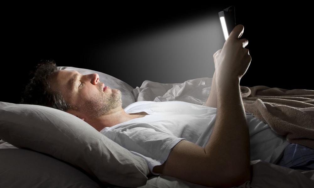 چطور از گوشی برای خواب بهتر استفاده کنیم؟