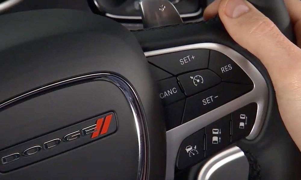خودروی شما دارای کروزکنترل است