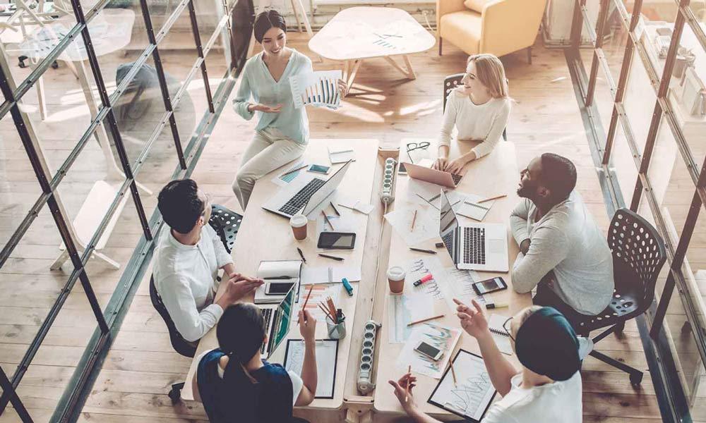 کار از خانه؛ دلایلی برای اینکه فضای همکارانه ارزشمندتر از مسائل مالی است
