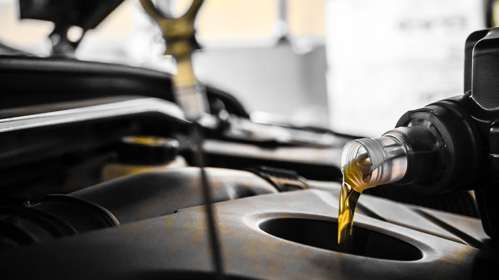 چرا موتور خودرو روغن کم میکند؟