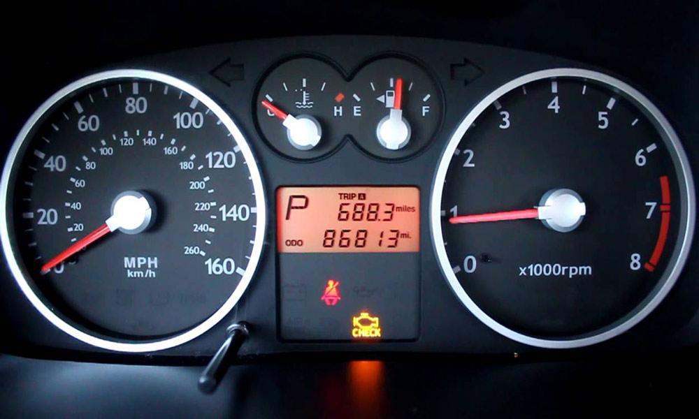 روشن شدن چراغ چک موتور خودرو چه مفهومی دارد؟